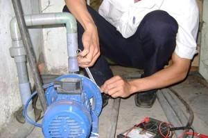 thợ sửa chữa máy bơm nước tại TP HCM
